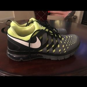 Nike Shoes - Finger trap Nike Max